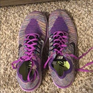 Fly knit nike frees